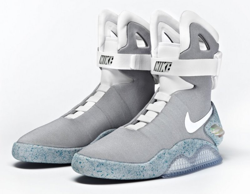 Crítico Afirmar Cumbre  Grab Official Nike Air Mag Back to the Future Trainers on Ebay and Donate  to Micheal J Fox Foundation • GadgetyNews