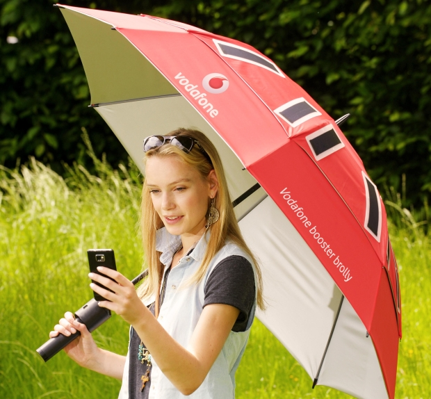 Vodafone Festival Booster Brolly – 3G Antenna and Portable Charging Point and Keeps You Dry