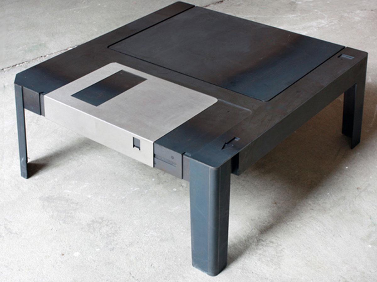 Floppy Table Rocks It 3 5 Inch Old Skool Style Gadgetynews