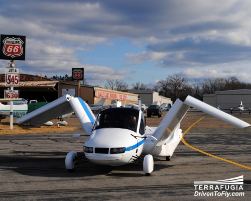 Terrafugia Transition flying car completes test drive, flight and drive [video]