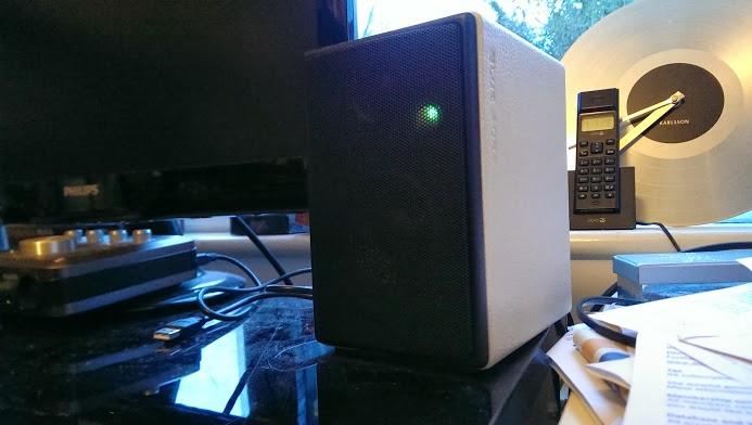 blue aura x3 speaker green