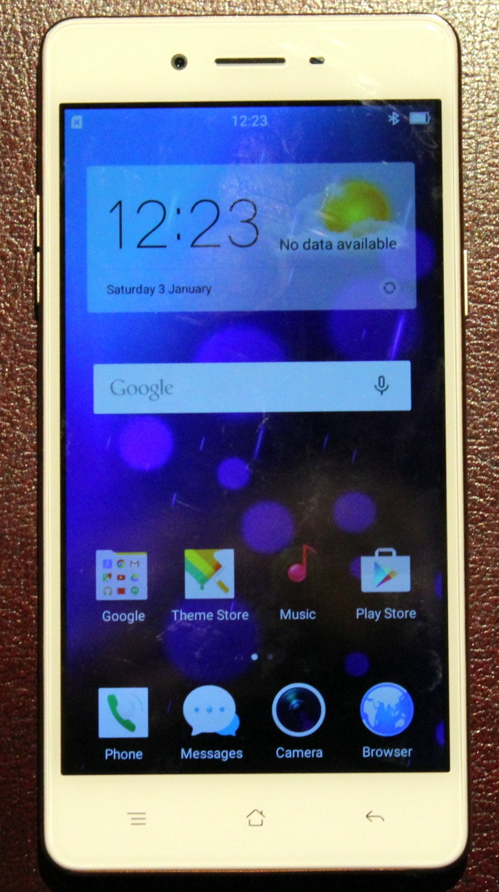 Oppo F1 smartphone first impressions • GadgetyNews